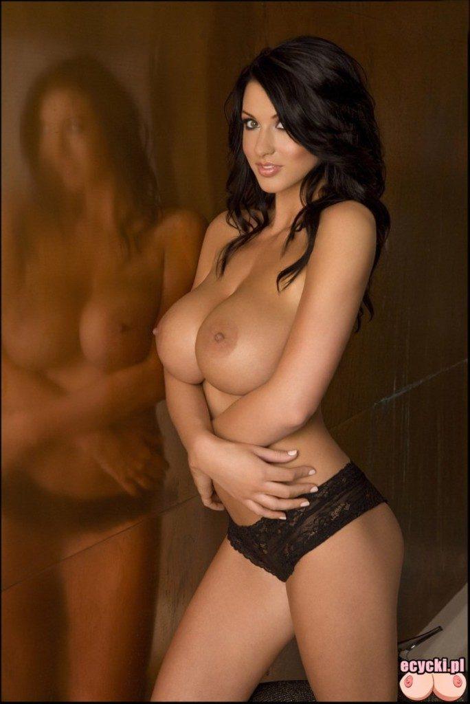 06. wielkie cycki nagie piersi goraca laska brunetka w majteczkach duze cycki nude big boobs 684x1024 - Alice Goodwin - najlepsze cycki tygodnia: