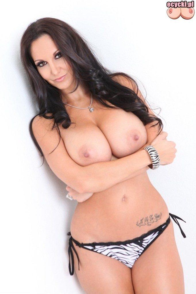 05. Ava Addams sexy brunetka laska cycata kobieta duze nagie cycki bez stanika seksowna duze piersi duzy biust hot busty woman sexy lingerie big boobs naked tits nude 682x1024 - Ava Addams - cycki tygodnia: