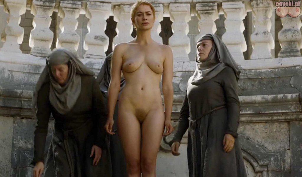 01. Lena Headey Cersei Lannister nagie piersi cycki nago game of thrones boobs nude breast tits zdjecia aktorka serial HBO 1024x602 - Gra o Tron – nagie sceny z cyckami w roli głównej: