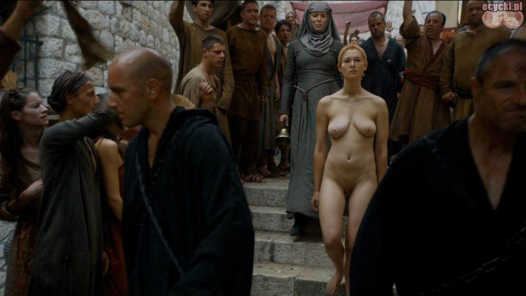 02. Lena Headey Cersei Lannister nagie piersi cycki nago game of thrones boobs nude breast tits zdjecia aktorka serial HBO 1024x576 - Gra o Tron – nagie sceny z cyckami w roli głównej: