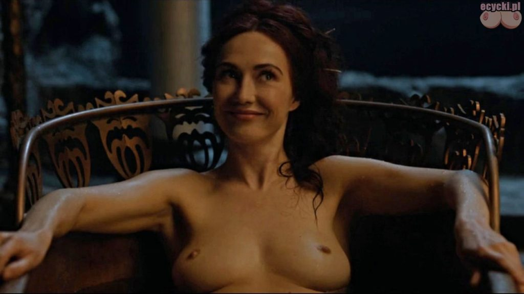 04. Carice van Houten jako Melisandre nagie piersi pokazuje cycki nago boobs tits nude breast game of thrones 1024x576 - Gra o Tron – nagie sceny z cyckami w roli głównej: