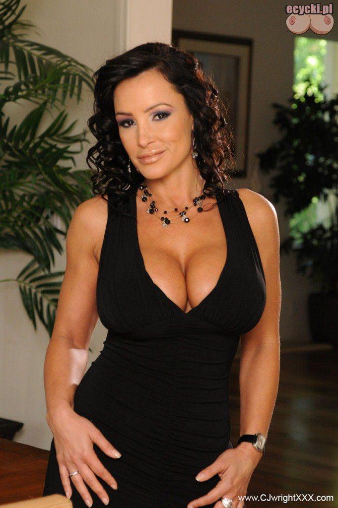 1. dojrzala sexy mama w czarnej sukience