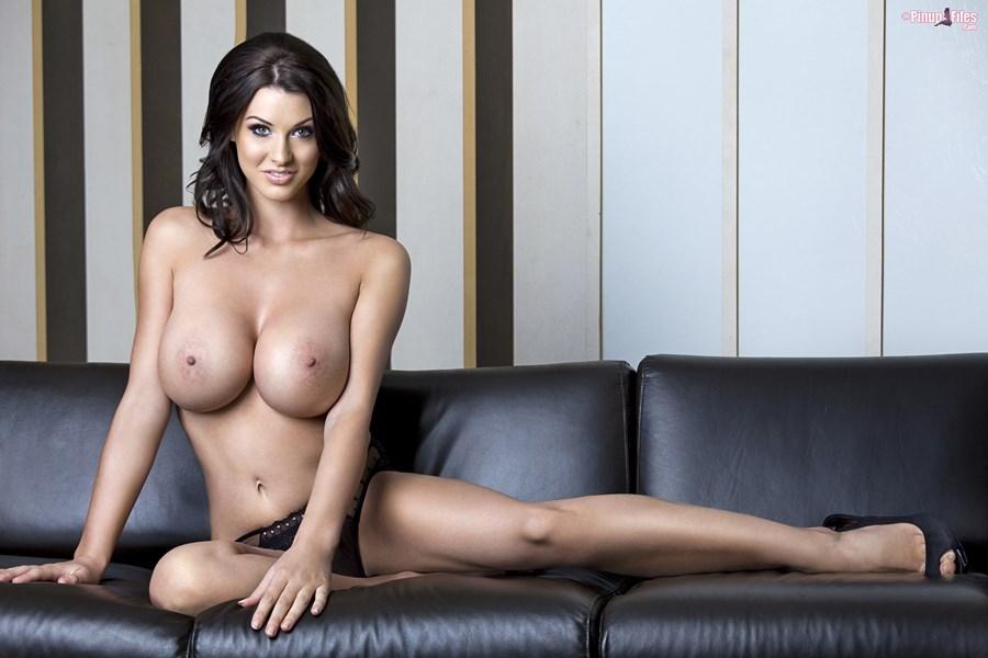 07. Alice Goodwin goraca super laska piekna cycata dziewczyna duze nagie cycki czarna bielizna zgrabna hot girl lingerie big boobs tits naked nice breast nude - Alice Goodwin znowu powiększyła cycki całość w sexy sesji: