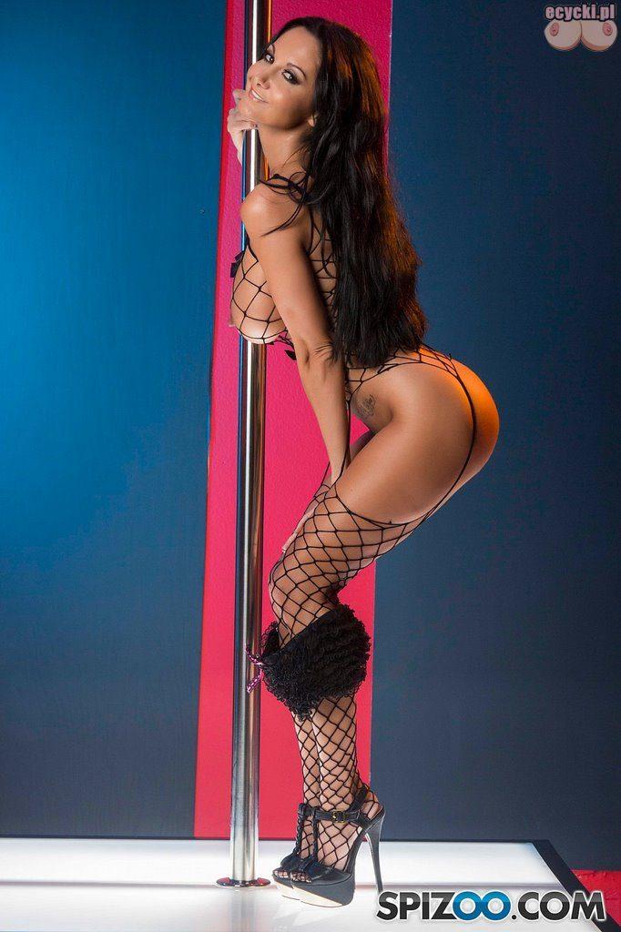 017. goraca cycata dupa sciaga majtki kabaretki ponczochy striptiz rozbieranie sexy brunetka laska cycata kobieta duze cycki busty woman sexy stocking ass 682x1024 - Ava Addams bodystocking sexy sesja: