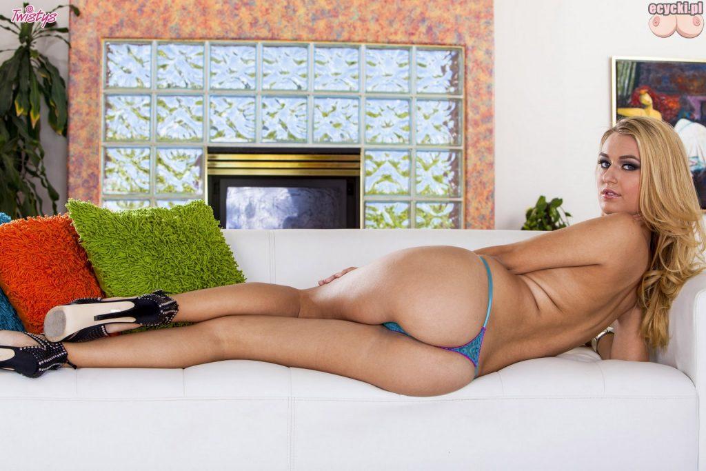 012. super dupa w stringach cycata blondi seksowna polka duze naturalne piersi biust polska laska dziewczyna dlugie nogi hot ass busty polish girl lingerie 1024x683 - Natalia Starr naturalne polskie cycki w sexy galerii: