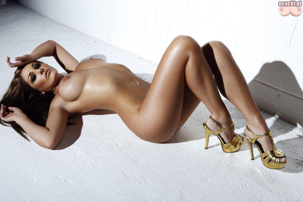 018. Lucy Pinder nago najlepsze cycate laski duze nagie piersi biust najlepsze cycki duze cycki nago big tits nude boobs the best busty girl naked 1024x683 - Lucy Pinder najlepsze cycki miesiąca: