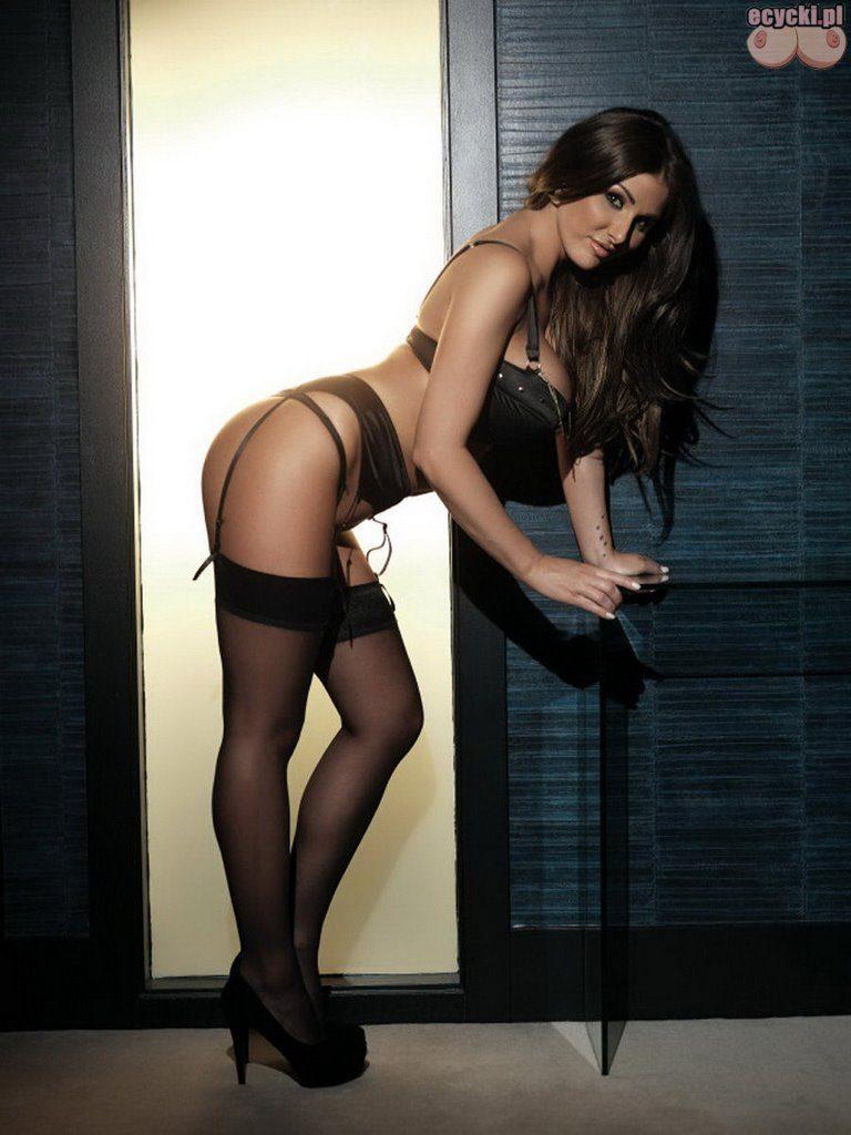 04. zmyslowa brunetka w bieliznie laska dziewczyna czarna bielizna ponczochy super dupa dupeczka laseczka szpilki hot girl stockin nice ass 768x1024 - Lucy Pinder najlepsze cycki miesiąca: