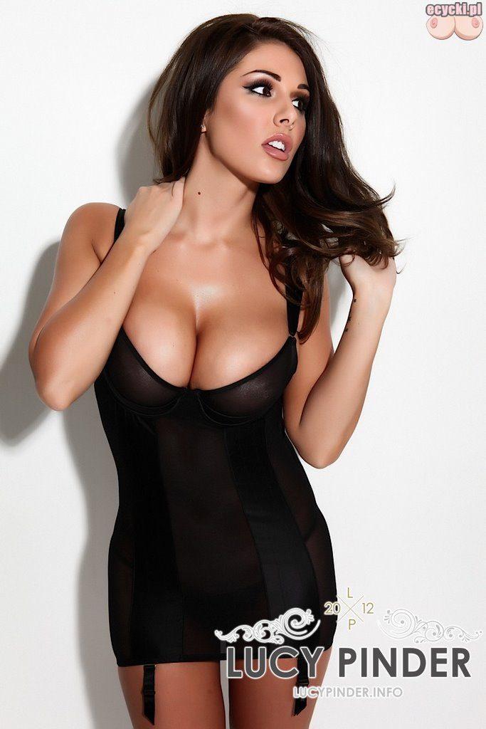 05. Lucy Pinder cycata laska duze naturalne piersi biust dekolt seksowna dziewczyna hot busty sexy woman big natural breast 683x1024 - Lucy Pinder piękna laska i jej duże naturalne cycki w galerii: