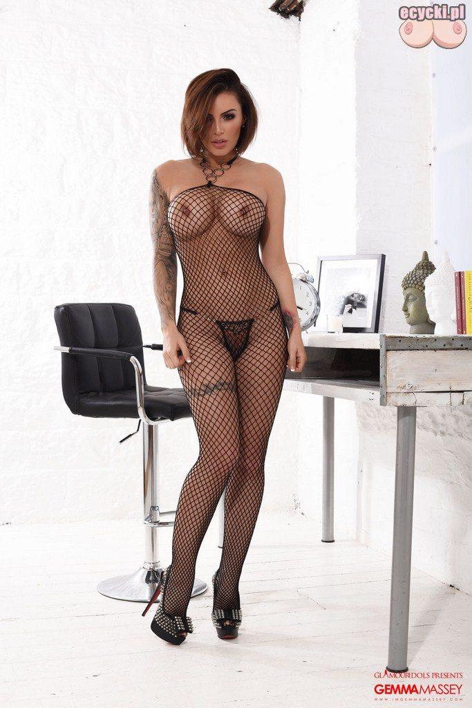 01. Gemma Massey bodystocking - bielizna erotyczna - sexy laska w stroju erotycznym - siateczka - zmyslowa dziewczyna duze piersi biust
