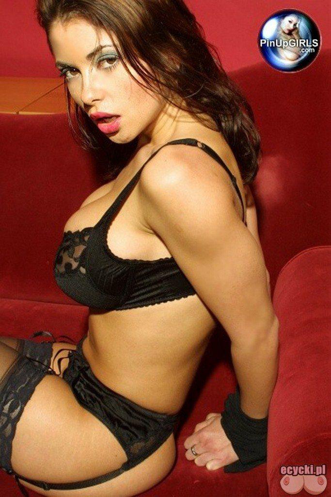 011. najlepsze najpiekniejsze laski zdjecia fotki - striptiz - rozbierane zdjecia - galerie - erotyka ze smakiem