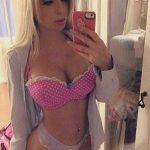 6. cycata blondi amatorka w sexy bieliznie - fotka przed lustem - amatorki pokazuja wdzieki