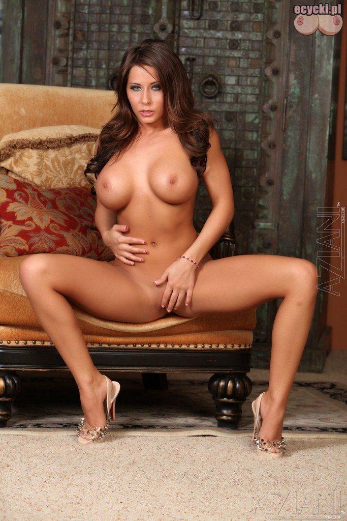 16. erotyka zdjecia nago - naga gwiazda porno - duze cycki - opalone cialo - zgrabna figura - sexy laska - porn star pic nude - big boobs naked