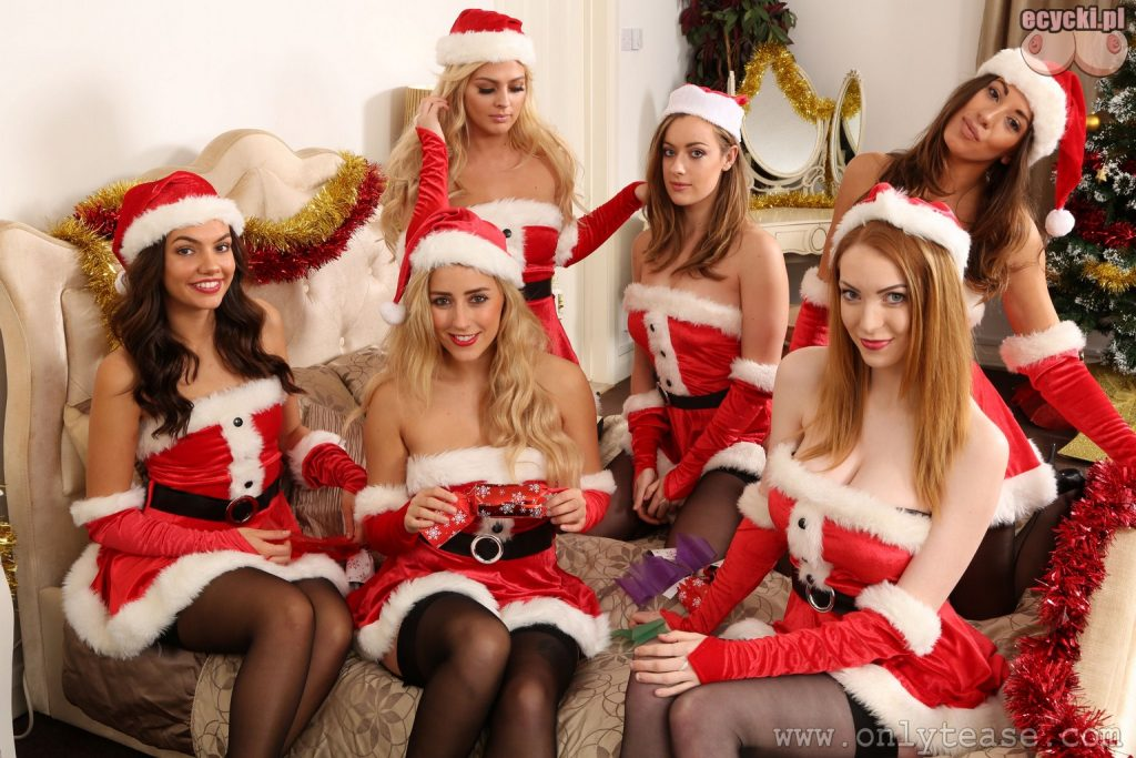 7. seksi mikolajki w sypialni - kobiety w roli mikolaja - prezent pod choinke