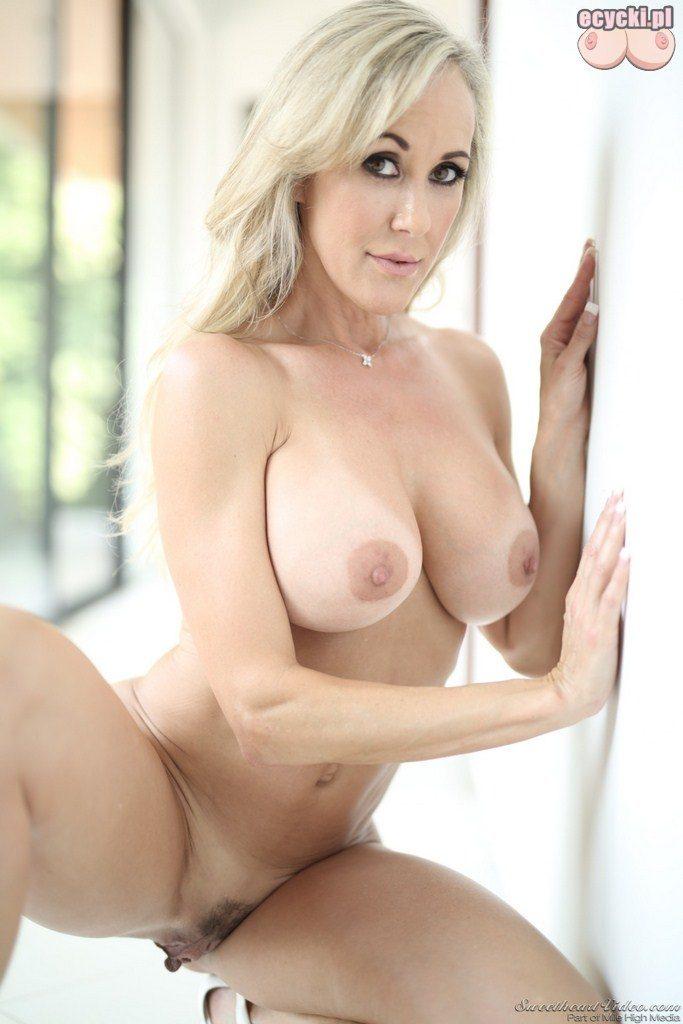 17. Brandi Love dojrzala gwiazda porno uwodzicielska kobieta nago - seksowna naga zona - porn star nude big boobs naked