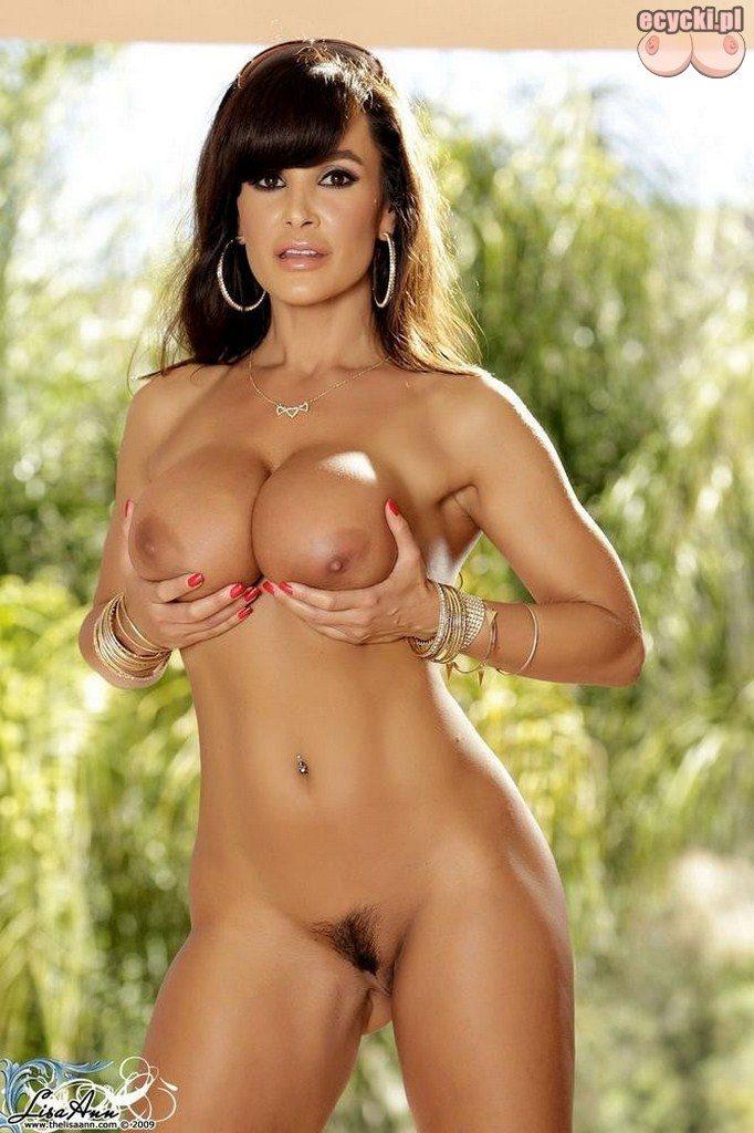 20. Lisa Ann porno aktorka nago - nagie zdjecia - seksowne fotki - blog o cyckach - ecycki