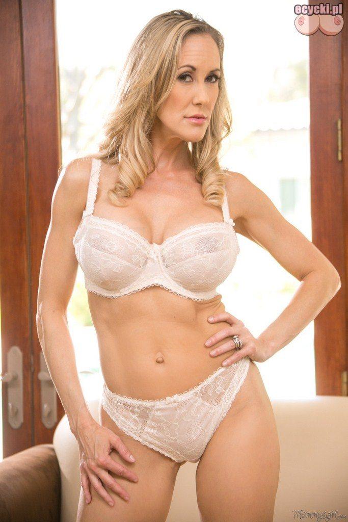 3. dojrzale sexy kobiety w bielizna - biala bielizna ladnej mamuski - duze piersi - duzy biust - seksi milf