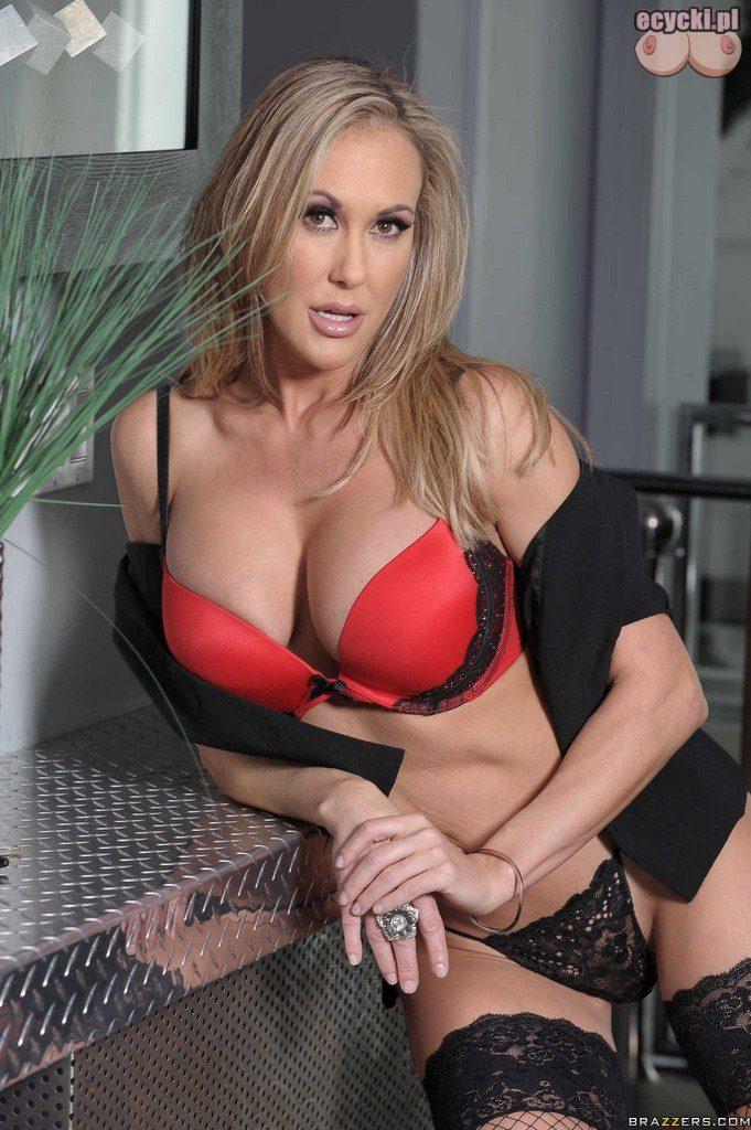 4. Brandi Love sexy gwiazda zaprasza do swojej sypialni - gorace zdjecia - zmyslowa powabna podniecajaca dojrzala kobieta