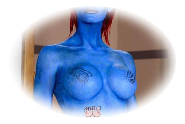 cycki z avatara - filmowe piersi - cosplay duze niebieskie cyce - bodypainting - malowanie biustu - zdjecia - fotki avatars boobs