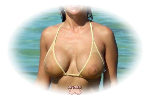 przeswitujacy stroj kapielowy transparentne bikini gora - duze piersi nad morzem mokra laska wychodzi z wody - ecycki najlepsze zdjecia kobiecych piersi