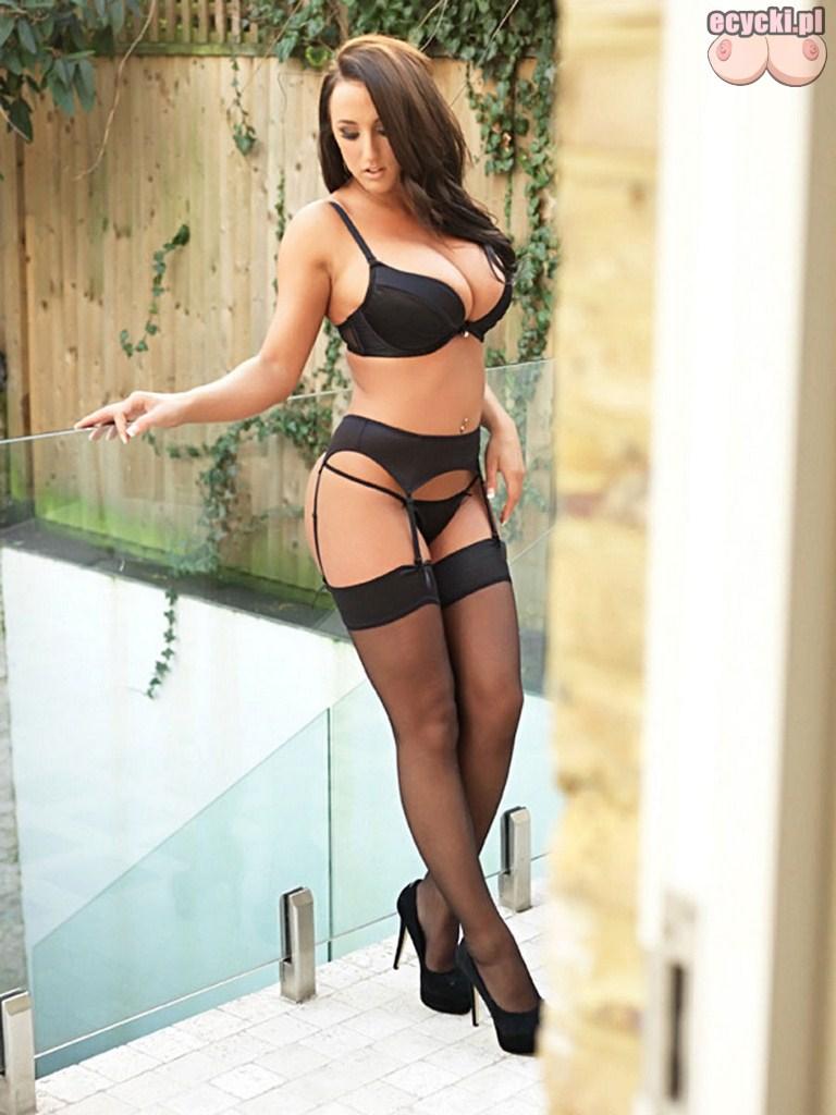 5. zgrabna modelka z duzym biustem zdjecia czarna seksi bielizna i ponczochy szpilki ponetna zmyslowa brunetka - Stacey Poole najlepsze cycki miesiąca!