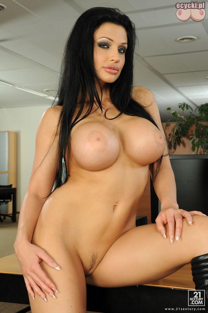 17. znane gwiazdy porno nago - duze piersi znanych gwiazd - gorace cyce fotki erotyczne - Kopia