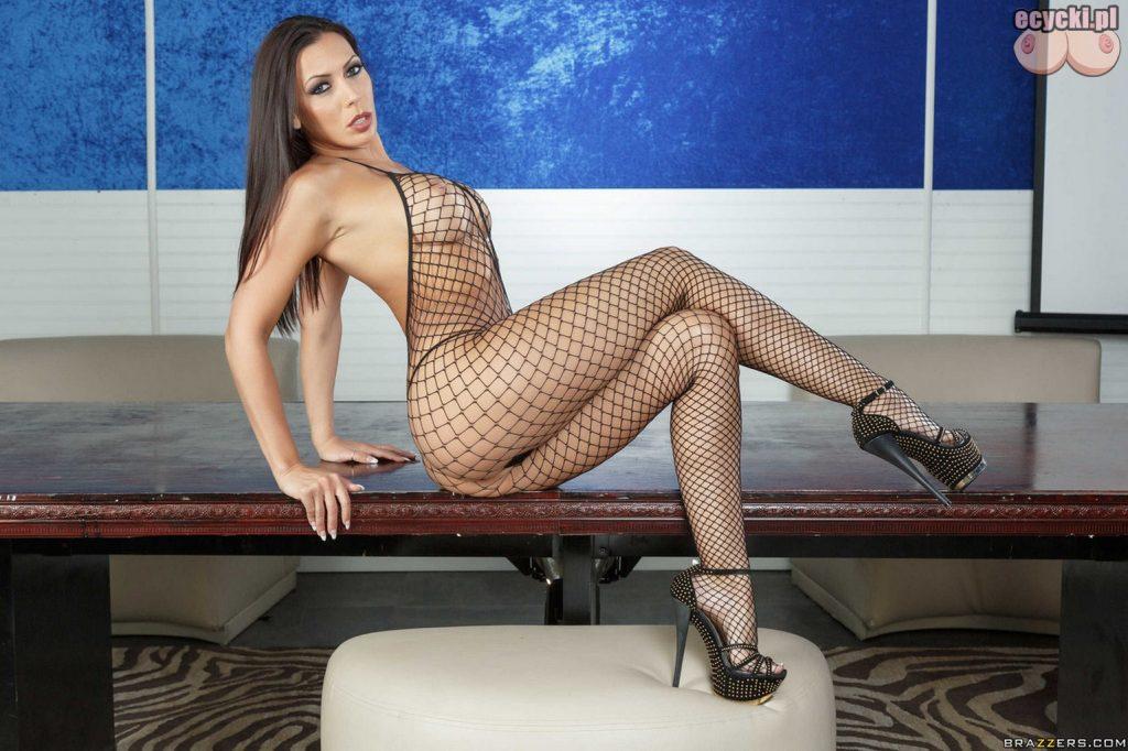 4. Rachel Starr sexy bodystocking - goraca gwiazda w przeswitujacej bieliznie - dlugie zgrabne nogi i sexy figura pikantne zdjecia znanych kobiet