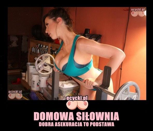 domowa silownia mem - tylko pod opieka instruktorki - demoty memy - instruktorka z wielkimi piersiami - sexy biust - na silownie - pokawanie - ciezary laski - ecycki